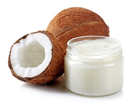 코코넛 오일과 흰색에 고립 된 신선한 코코넛