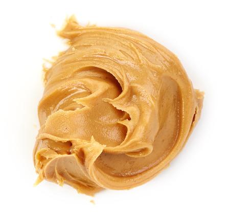 cacahuate: mantequilla de man� aislado en el fondo blanco