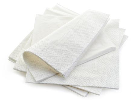 Papierservietten auf weißem Hintergrund