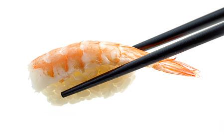 새우 초밥 흰색 배경에 고립