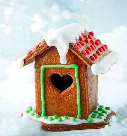gingerbread house: homemade gingerbread house