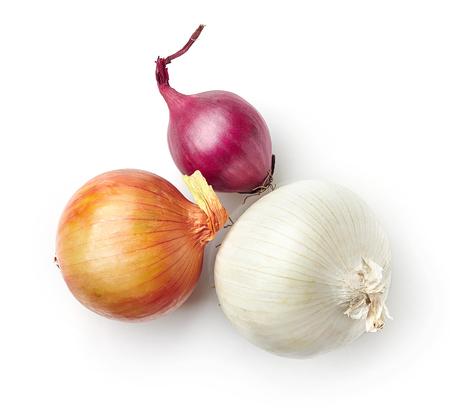 cebolla: Varias cebollas aisladas sobre fondo blanco, vista superior Foto de archivo