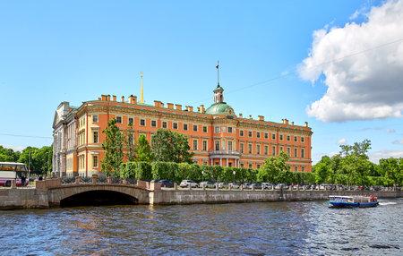Sint-Petersburg, Rusland - 23 juni 2017: Kasteel van Saint Michael, Fontanka rivier