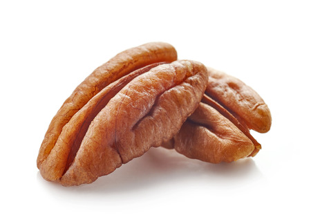 Pecan nuts macro isolated on white background, selective focus Zdjęcie Seryjne - 87600213