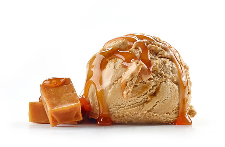 caramel ice cream isolated on white background Imagens