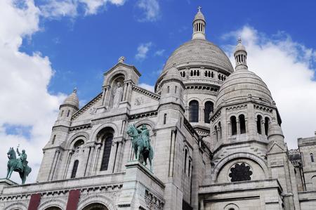 sacre coeur: La célèbre basilique du Sacré-Coeur à Paris, France Banque d'images
