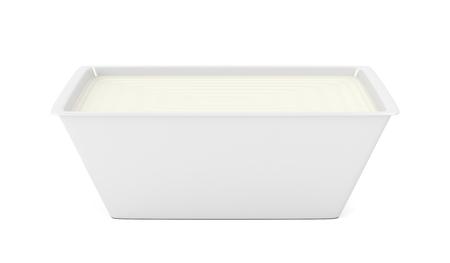 envases plasticos: Margarina en envases de plástico abierta en el fondo blanco