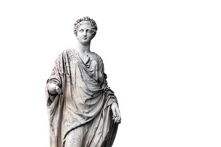 Marmorstatue von römischem Ceres oder von griechischem Demeter lokalisiert auf Weiß vom Park des Palast- und Parkkomplex Zustandes von G. Galagan. Sokyryntsi-Dorf, Ukraine Standard-Bild - 72441201