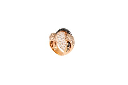 Diamond ring isolated on white background. Ring with diamonds. Yellow gold. Reklamní fotografie - 128705650