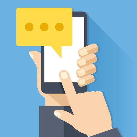 Icono de chat, mensaje en la pantalla del teléfono inteligente. La mano sostiene el teléfono inteligente, el dedo toca la pantalla. Concepto moderno de mensajería instantánea. Ilustración de vector de diseño plano creativo Ilustración de vector