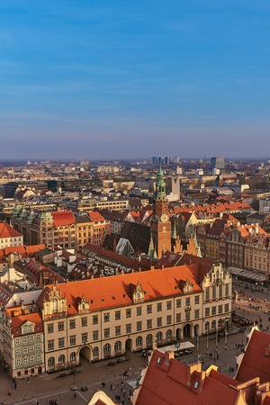 Aerial view of Stare Miasto with Market Square, Old Town Hall and St. Elizabeths Church from St. Mary Magdalene Church in Wroclaw, Poland Фото со стока - 123040592