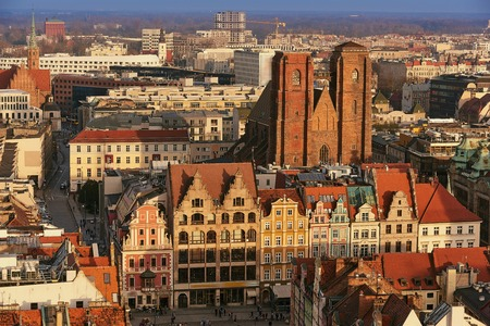 Aerial view of Stare Miasto with Market Square, Old Town Hall and St. Elizabeths Church from St. Mary Magdalene Church in Wroclaw, Poland Фото со стока - 123040593