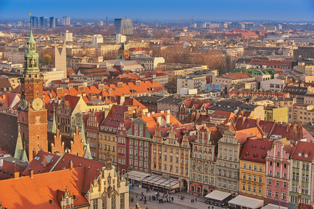 Aerial view of Stare Miasto with Market Square, Old Town Hall and St. Elizabeths Church from St. Mary Magdalene Church in Wroclaw, Poland Фото со стока - 123032331