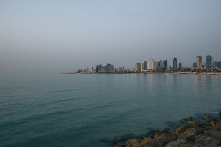 View in the evening of the modern Tel Aviv, Israel and the sea Фото со стока - 123029901