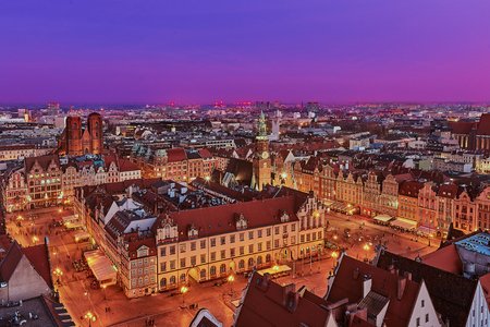 Aerial view of the sunset of Stare Miasto with Market Square, Old Town Hall and St. Elizabeths Church from St. Mary Magdalene Church in Wroclaw, Poland Фото со стока - 123030335