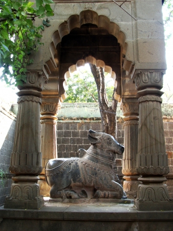 nandi: Nandi, the God s Bull in Hindu Temple