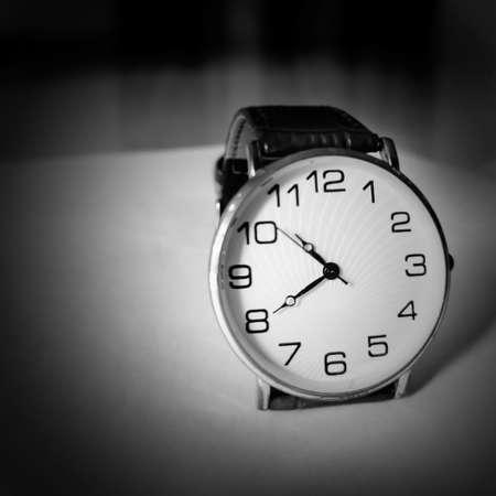 Retro analogous watch with silver white dial. Standard-Bild