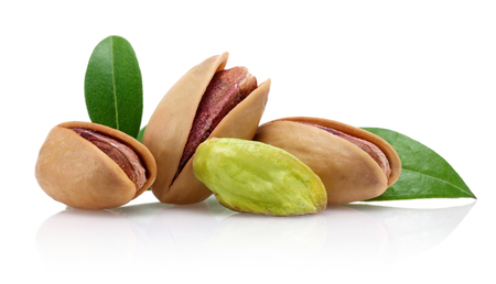 Fresh pistachio nuts with leaf isolated on white background Imagens - 117260871