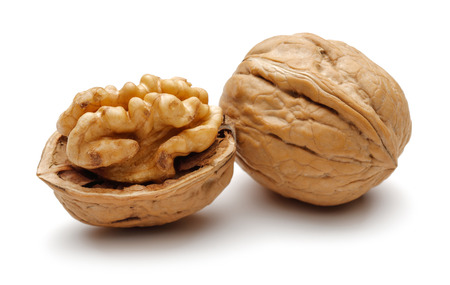 Whole and broken walnuts isolated on white background 写真素材 - 121779126