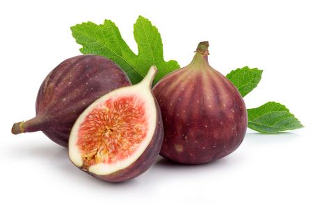 Frische lila Feigenfrucht und Scheibe mit Blatt isoliert auf weißem Hintergrund