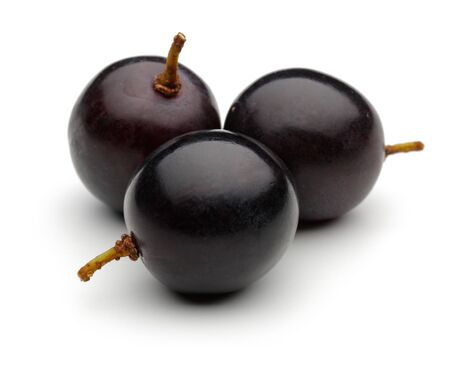 Fresh black grape isolated on white background 版權商用圖片