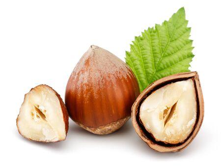 Hazelnuts and leaf isolated on white background Stok Fotoğraf - 128992481