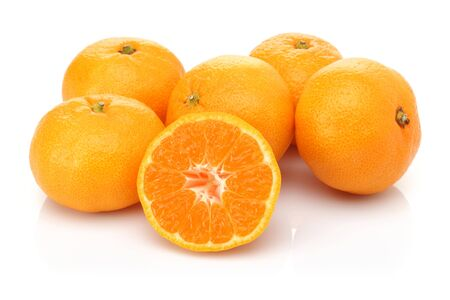 Whole and half fresh tangerines isolated on white background Stockfoto
