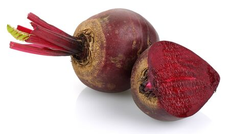 Fresh red beets isolated on white background Stok Fotoğraf - 130426273