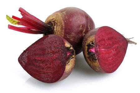 Fresh red beets isolated on white background Stok Fotoğraf - 130426337