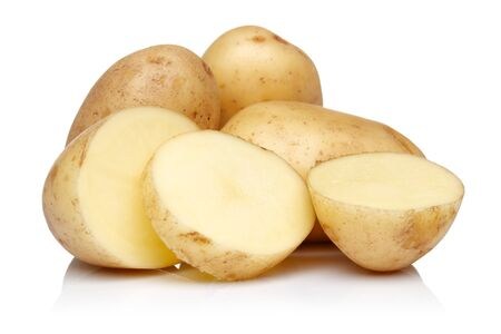Raw potatoes with slices isolated on white background 版權商用圖片 - 141223096