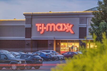 NEW HARTFORD, NEW YORK - AUG 16, 2019: TJ Maxx store and parking. TJ Maxx is an American department store chain, selling at prices generally lower than other major similar stores Redakční