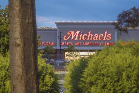 NEW HARTFORD, NEW YORK - AUG 16, 2019: The Michaels Companies, Inc. is North America's largest provider of arts, crafts, framing, floral & wall décor, and merchandise for do-it-yourself home decorators. Redakční
