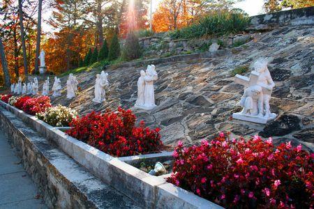 hillside: Hillside Statues