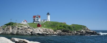 cod: Wide View of Nubble Lighthouse, Maine
