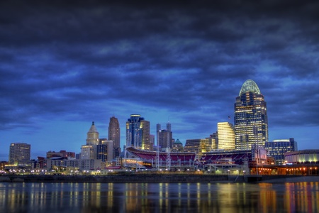 ohio: Cincinnati Skyline as seen from the riverbank of Newport Kentucky