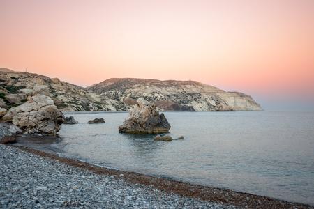aphrodite: Puesta de sol sobre la bahía del mar en Chipre, donde nació Afrodita