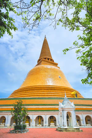 The tallest Stupa in Thailand Phra Pathomchedi in Nakhon Pathom Province, Thailand.