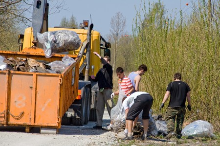 3rd of May 2008  Big Clean-Up Day in Estonia; campaign Teeme ra (Lets Do It), which aimed to collect up to 10,000 tonnes of rubbish from nature; about 50 000 volunteers participating