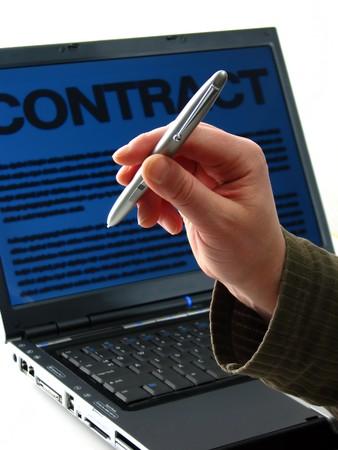 osiągnął: Załóżmy sfinalizuje: laptopa, pióro cyfrowe i osiÄ…gniÄ™ty zostaÅ' limit rÄ™cznie; Program Word kontrakt na ekranie komputera