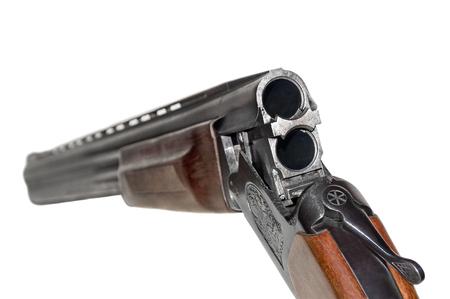 Caricamento di un fucile a doppia canna da caccia o sportivo del modello russo MP 27 o IZH 27. Archivio Fotografico - 99911978