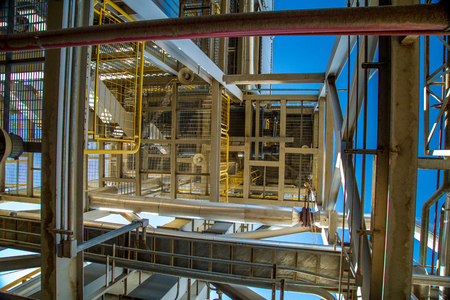 industry structure steel metal arquiteture vertical parallel tubes