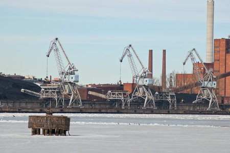 Loading of coal in the port city of Helsinki