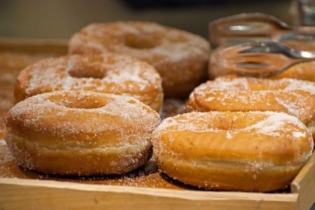 프랑스 빵집에서 도넛