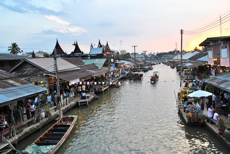 amphawa: Amphawa Floating Market in Thailand