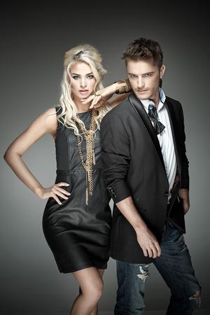 Portrait einer eleganten jungen Paares Standard-Bild - 50921839