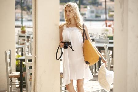 Blonde Dame Bilder im Hotelbereich unter Standard-Bild