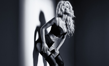 Black&white portrait of an alluring blond woman