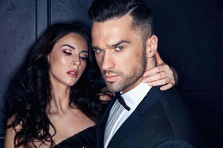 Closeup portrait of an elegant, stylish, young couple Foto de archivo