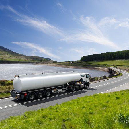 Een grote brandstof Tanker Truck Stockfoto