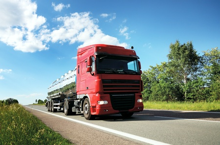 Camion cisterna di carburante